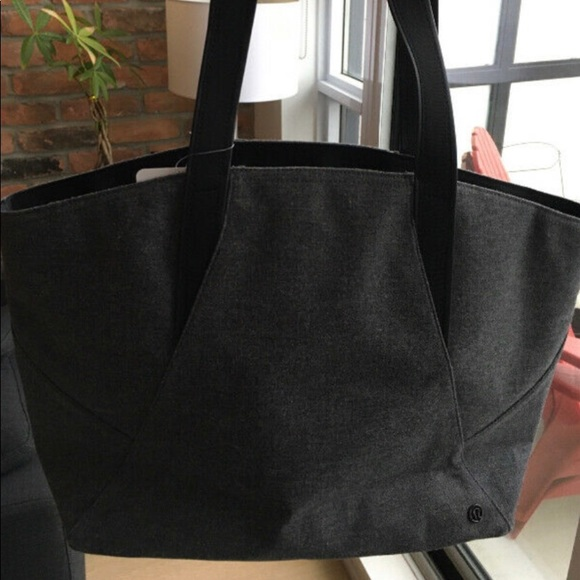 Lululemon - BNWT all day tote